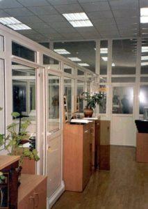 Пресс-центр МЖД со сдвижными дверями